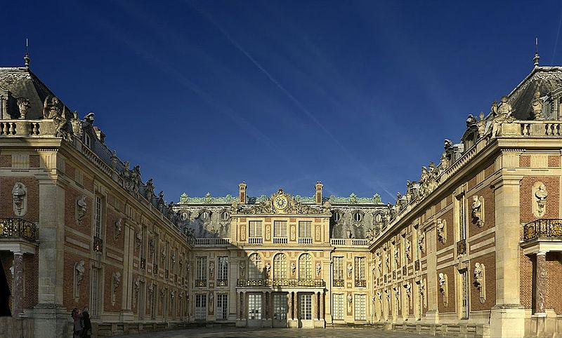 Versailles & the SUN KING shining palace private guided tour