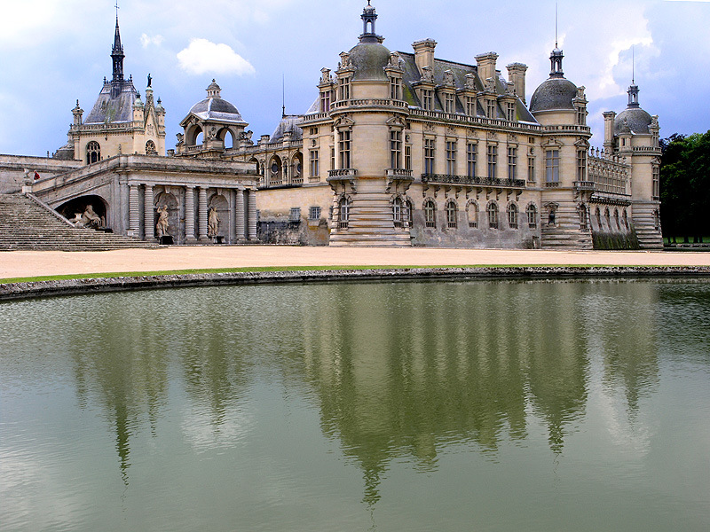 Chantilly palace and horse studs
