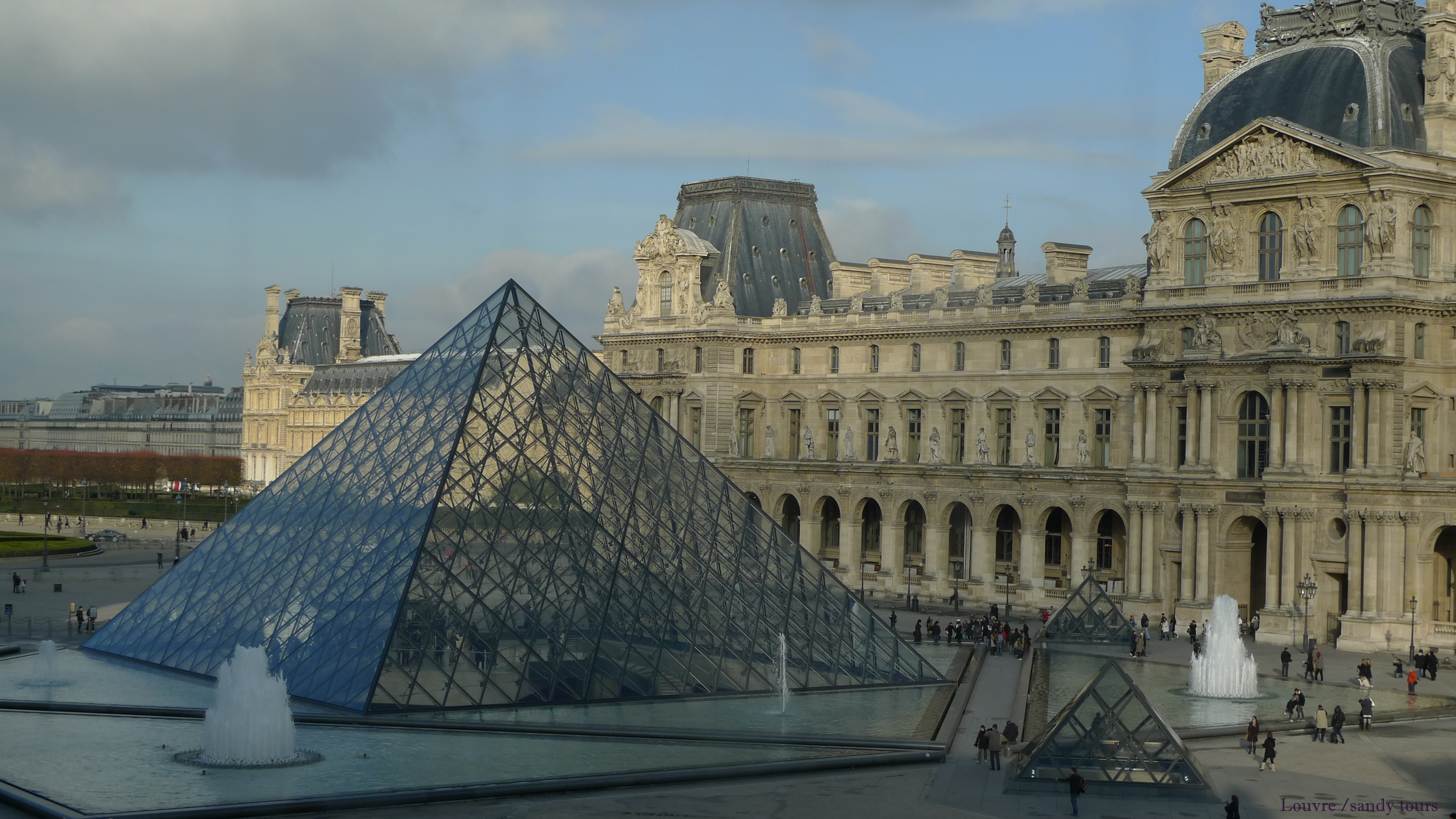 Louvre & Mona Lisa private guided tour during 3 hours